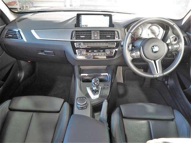 M2クーペエディションブラックシャドー 黒革シート/シートヒーター/パワーシート/M専用3色ライン入シートベルト/レザーステアリング/ステアリングスイッチ/パドルシフト/カーボンウィンカードアミラー