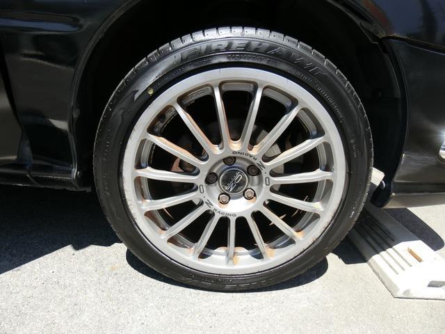 外品 OZ 17インチAWですこのお車によく似合っていますねタイヤは3分山くらいです。