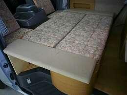 2列目もベッド展開可能です! 170cm×90cm