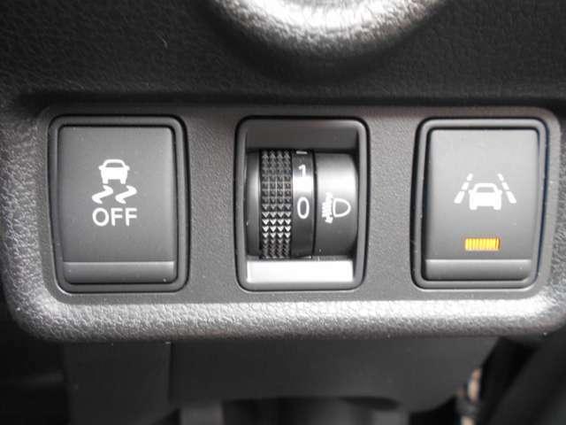 VDC(横滑り防止アシスト)&ヘッドライトレベライザー&LDW(車線逸脱警報)