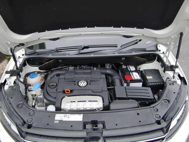 ダウンサイジング化に伴って、エコカーとして生まれ変わたエンジン「TSI」、ターボ&スーパーチャージャーのコンビが装備され、走り出しから高速走行まで幅広くカバーしてくれます!