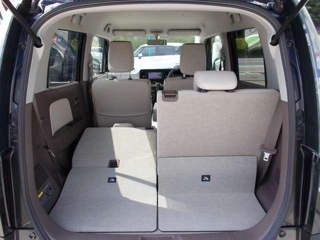 シート全面倒せば大容量の空間が広がります!