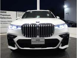 BMW正規ディーラー唯一の全国展開型ディーラーです。東京・名古屋・三重・大阪、全社合わせて150台以上の豊富な品揃え! お客様のご要望にお応えいたします。 ご連絡を心よりお待ちしております。