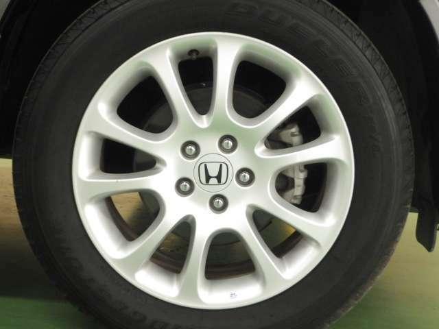 純正アルミ装備!タイヤも残溝タップリございます!