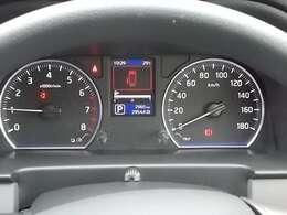 必要な情報が瞬時に読み取れる、視認性のよいファインビジョンメーター(車両情報ディスプレイ)採用!