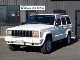 正規ディーラー車 2001モデル 新車時保証書他書類一式【XJ型Jeep最終型】 最終モデルリミテッド専用純正16インチアルミホイール(マッドブラックペイント施工) 新品A/Tタイヤ4本