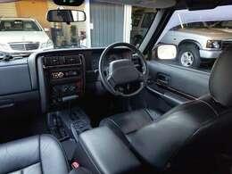 電動黒本革シート&ウッドインテリア 社外CDオーディオ ダブルSRSエアバック ABS etc・・・