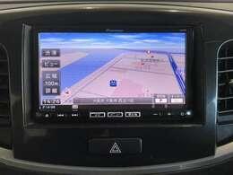 こちらのお車のナビはCD/DVD再生・フルセグTVの視聴・Bluetooth接続ができます!