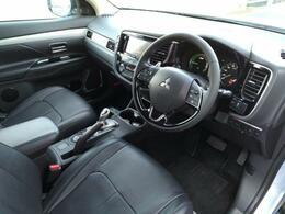 車内装はシンプルながら機能性を感じさせるデザインです1