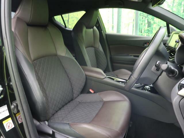 ●【ブラウンハーフレザーシート】装備!深みのあるいい色ですね☆ホールド感も高く快適なドライブができておススメです☆