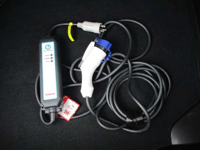 200V充電ケーブル