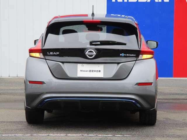 電気自動車なので当然マフラーはなく排気ガスもありません
