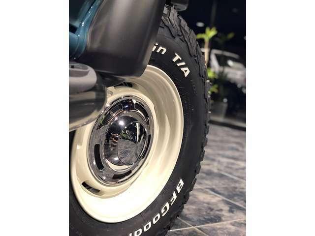 足元は16インチAW「DEAN」のクロスカントリーをチョイス!タイヤはBFグッドリッチのATタイヤを装着です。※変更可能です。お気軽にスタッフまで。