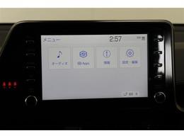 使い慣れたスマホアプリを車でも。ナビ案内をはじめ電話、メッセージ、音楽など運転中でもアプリをご利用いただけます。