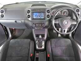 「Volkswagen純正ナビゲーションシステム」・「バックカメラ」・「ETC」装着車両。
