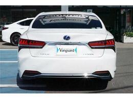 弊社の買取台数は年間850台!その中から厳選された車輌だけを展示販売。品質重視、第三者機関による車輌検査済。買取直売だから素性もわかるので安心です。キャンペーン期間終了後1170万になります。