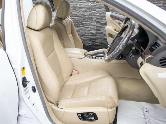 快適エアシート機能搭載によりオールシーズン快適にお過ごし頂けます。
