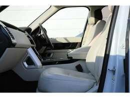 電動調整式シート(運転席・助手席)(メモリー機能付)18x18ウェイ フロントシート、コンソール&アームレスト