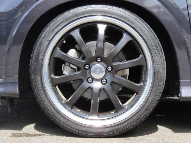 GNOSIS社製19インチアルミ付き! タイヤの山はまだ6分山程度有ります!