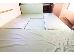 ダイネットベッドは176×141!