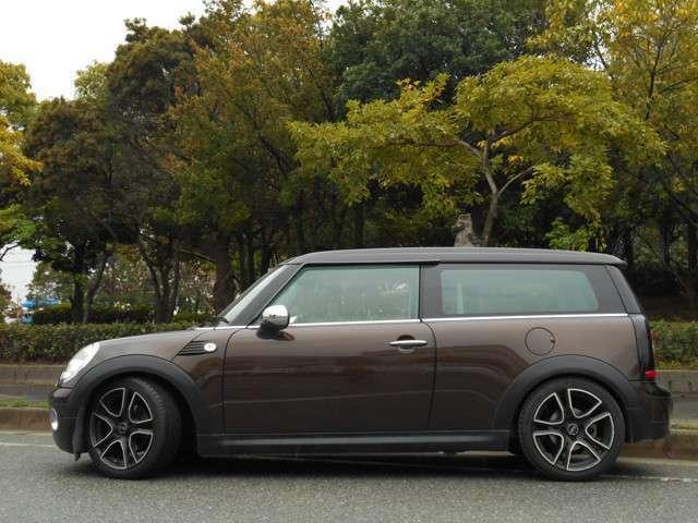 希少 ルーフ ブラックカラー 総額価格には希望ナンバー費用・20年度自動車税含まれております。