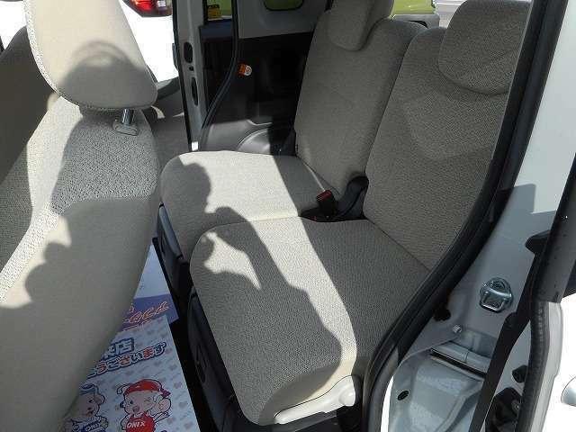 ☆後席シートは使用感も少なくきれいな状態となっております☆