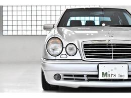 世界総生産台数は約3000台とも言われるほど!AMGがベンツの傘下に入る前、「AMGジャパン」と言われる1つのファクトリーであった時代のモデルであり