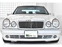 ブリリアントシルバー/ブラックレザーインテリア、AMGジャパン正規モデル、ディーラー車、1オーナー、全席シートヒーター、1997年モデル、5AT、左ハンドル、取扱説明書、整備記録簿、スペアキー完備