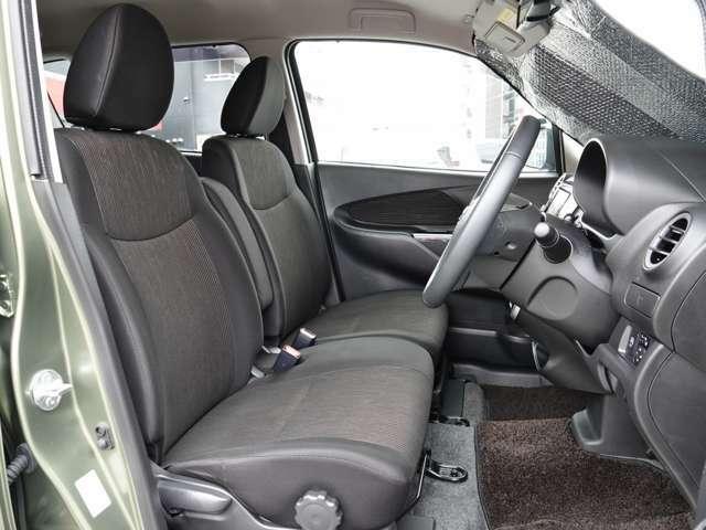 フロントシート ベンチタイプ~ 広い座面で安心感のある座り心地~♪