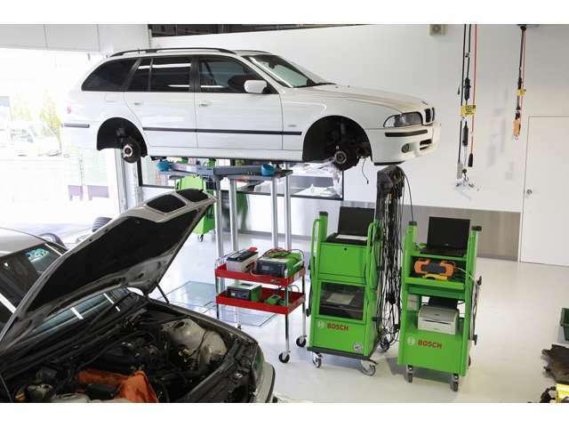 Aプラン画像:提携 関東陸運局指定のボッシュ認証工場にて各ブランド専用のテスターを使用し、適正な診断、メンテナンスを行いご納車致します。その他、認証エンジンオイル、オイルフィルター、ワイパー等も新品交換致します。