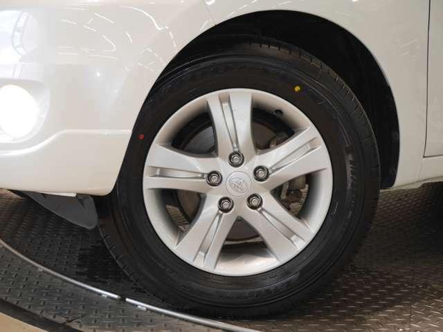 タイヤサイズ☆ 215/65R16(タイヤは現状と異なる場合があります)