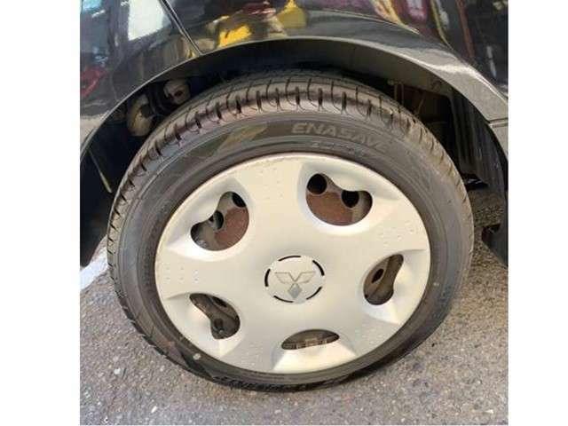 リヤタイヤ、ほぼ新品です。ホイールカバーは傷や割れています。