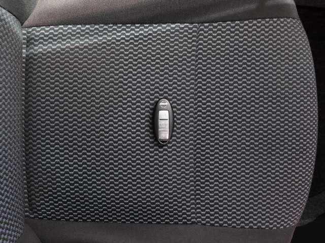 インテリジェントキー リモコンを身につけていれば、ドアの施錠・開錠、エンジンスタート