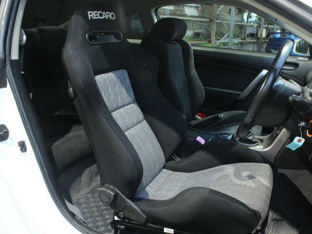 運転席レカロセミバケットシート装備