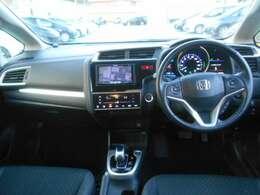 ☆内装美車☆ダッシュボードもシートも当然キレイ・清潔に仕上げております。内装のキレイなお車は気持ちがいいですし、コンディションのいい車が多いんです♪