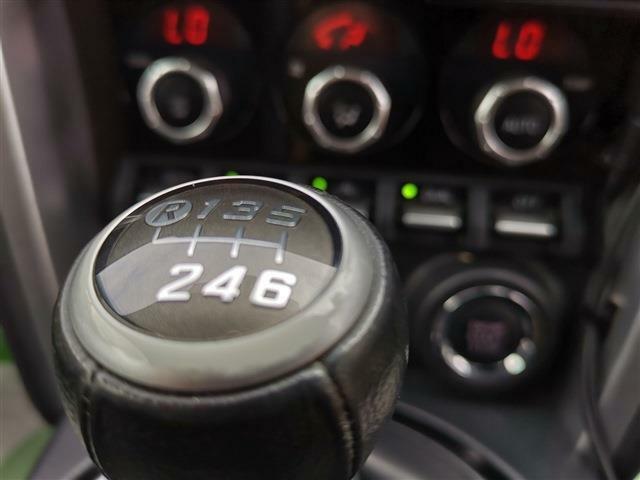 走りの6速MT!!スポーツカー本来の楽しさをご堪能下さい!!5STARなら返品理由を問わず納車後50日以内なら返品が可能!車を安心してお求め頂きたいという想いから生まれたサービスです。※お支払い方法が全額現