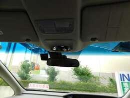 フロントガラスの画像です。視界が広く運転もし易いです。