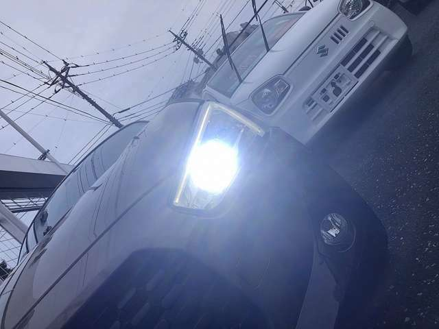 明るいLEDヘッドライトも付いて夜間走行も安心です!