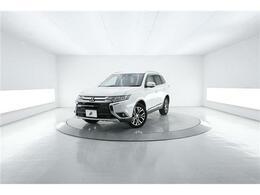 三菱 アウトランダー 2.4 24G ナビパッケージ 4WD 本革 ディスプレイオーディオ 360°カメラ