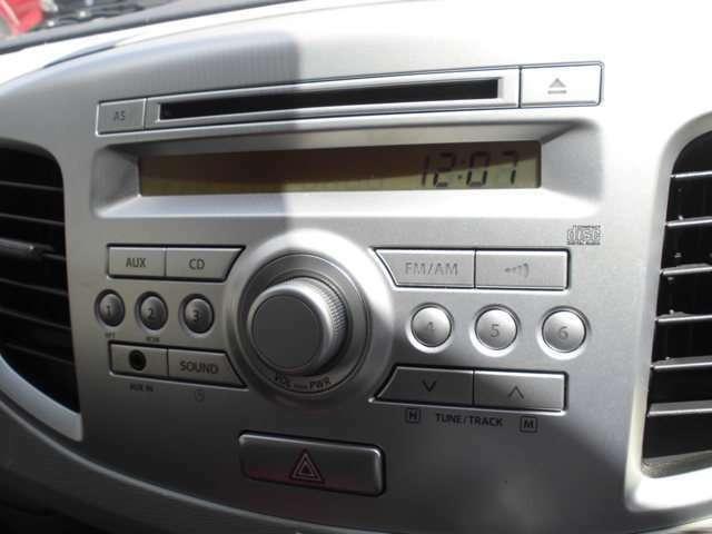 純正CDオーディオ付きで楽しくドライブを楽しむことができます☆
