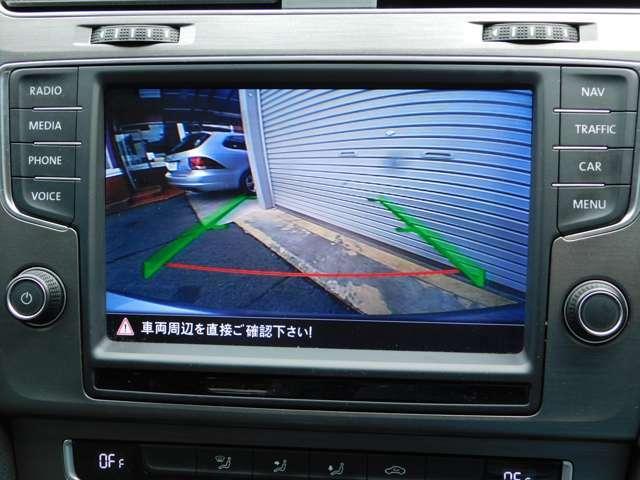 車庫入れに便利バックカメラ搭載しています。