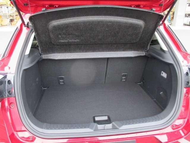 フレキシブルボード付きで、荷物のプライバシーもしっかり確保。