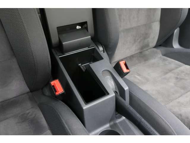お客様に安心のお車選びをお手伝いできるよう弊社では多数の資格保有者が在籍しております。