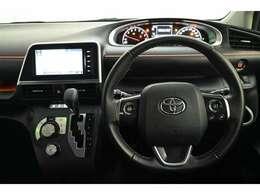ドライバー目線の画像です。見やすいメーターと操作しやすいスイッチ類もいいですね☆