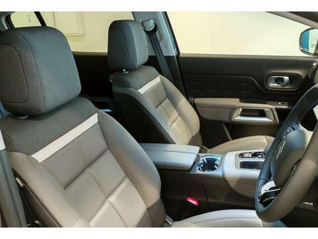 油圧サスペンションと座り心地の良いシートの連携プレーで快適な移動を満喫できます!