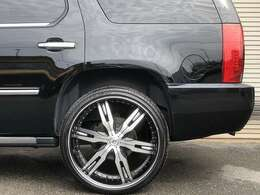 【査定】 買取り専任スタッフが常時配置。直接買取りをしておりますので高いお値段をつけることが可能です。お客様の大切な車をしっかりと査定します。