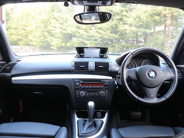 遠方などで現車をご覧いただけない方へは、一般社団法人 日本自動車査定協会 認定査定士が作成するチェックシートにて車両状態をお知らせする事も可能です。