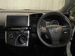 1年間走行距離無制限のトヨタ「ロングラン保証」がつきます。全国にトヨタテクノショップがございますので、遠方でもサービスが受けられます。旅行等でお出かけの際にも安心です。
