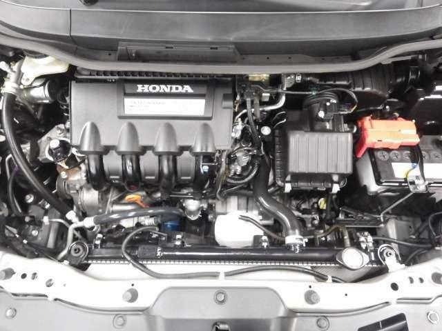 エンジンルームとなります。とても綺麗な状態です☆もちろんエンジンも快調ですよ!