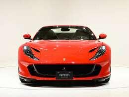 外装はRossoCorsa(レッド)です。内装はNero(ブラック)を選択しております。ぜひ実車をご覧くださいませ。